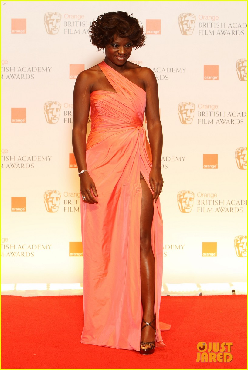 viola davis octavia spencer 2012 baftas red carpet 06