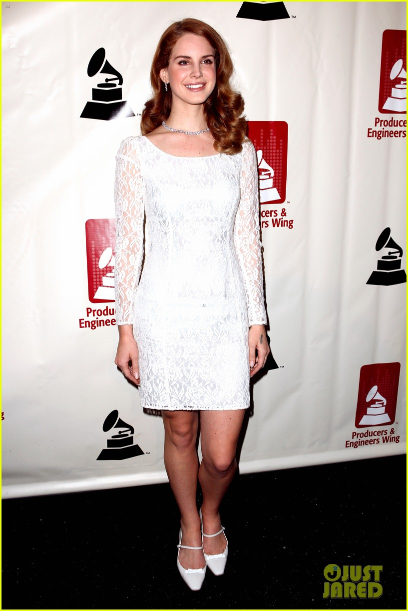 lana del rey grammy awards p e wing event 07