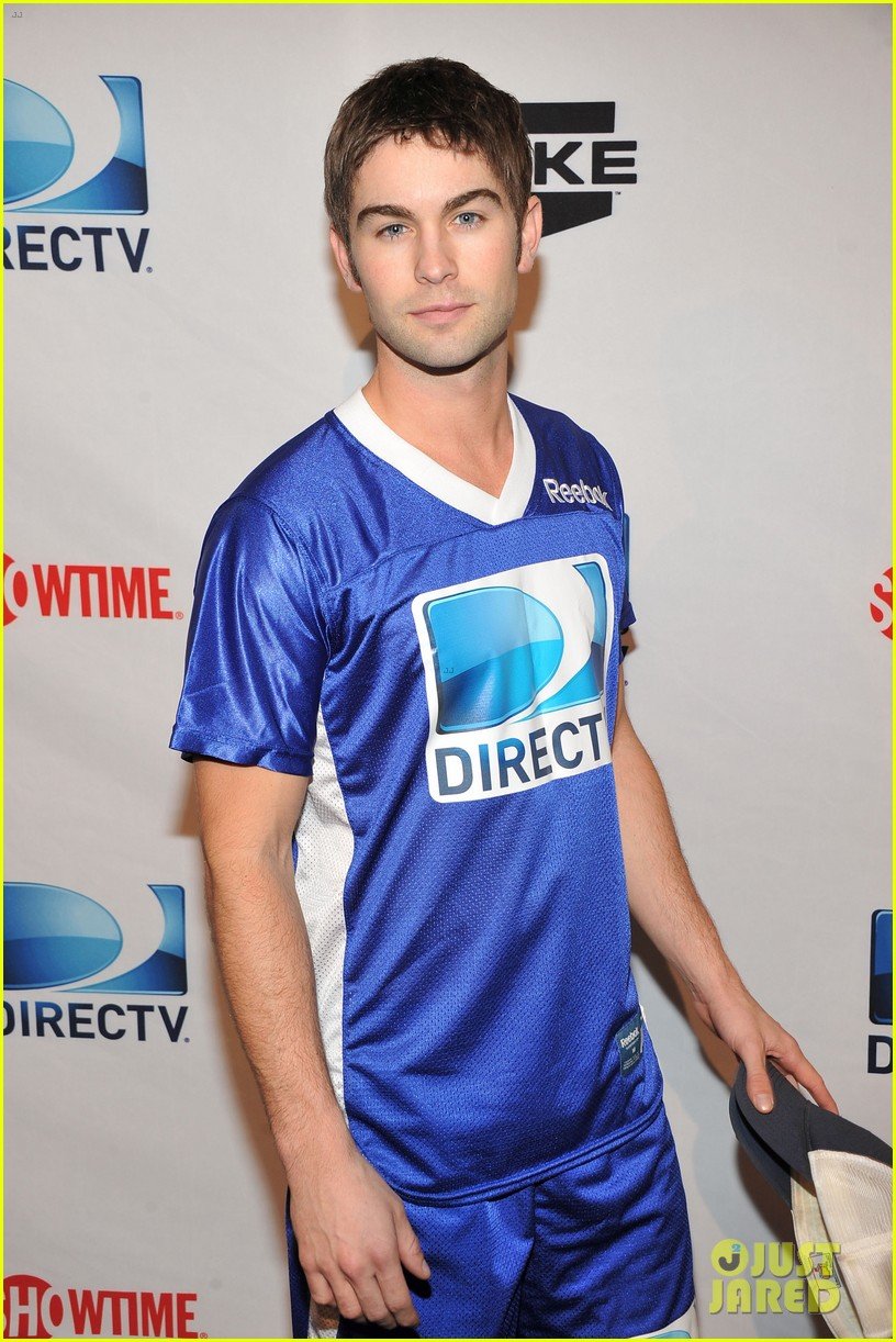 nina dobrev chace crawford celebrity beach bowl 17