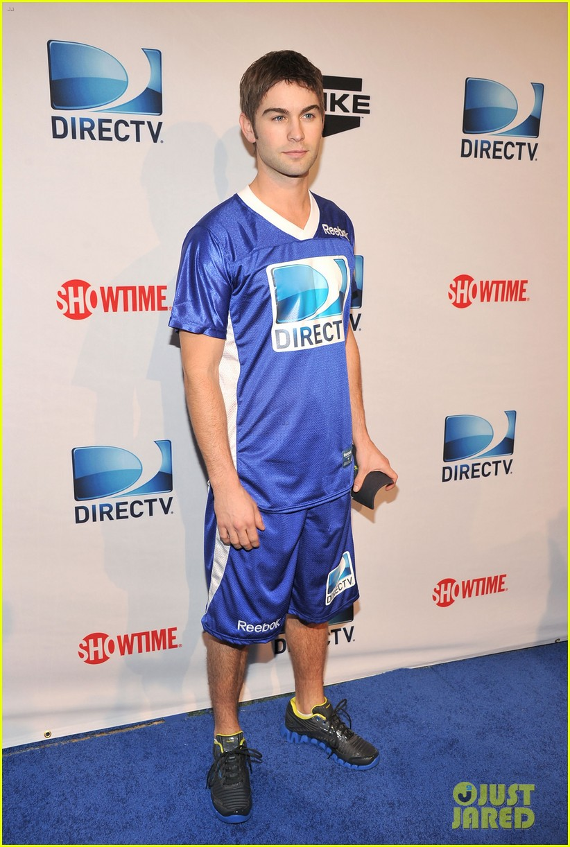 nina dobrev chace crawford celebrity beach bowl 20