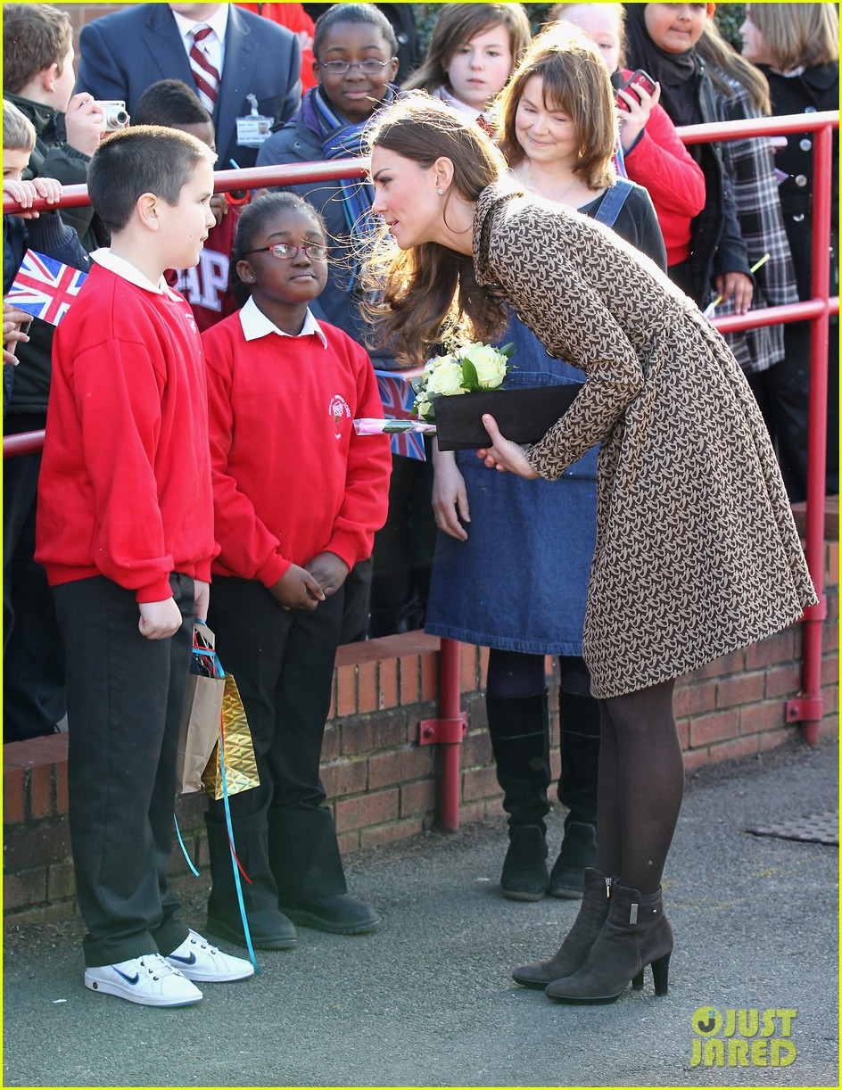 duchess kate rose hill primary school 13