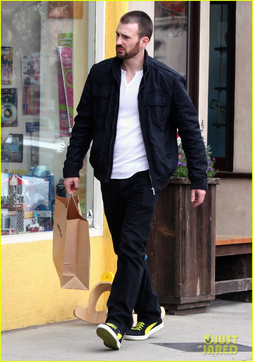chris evans shopping 04