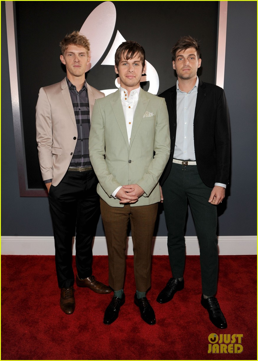 foster the people grammys 2012 red carpet 03