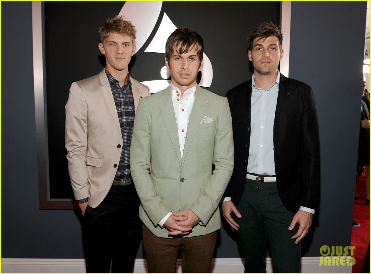 foster the people grammys 2012 red carpet 05