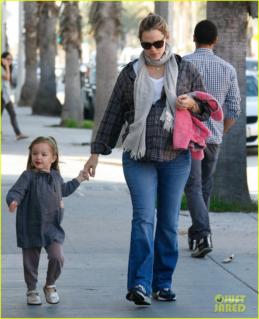 jennifer garner errands 13