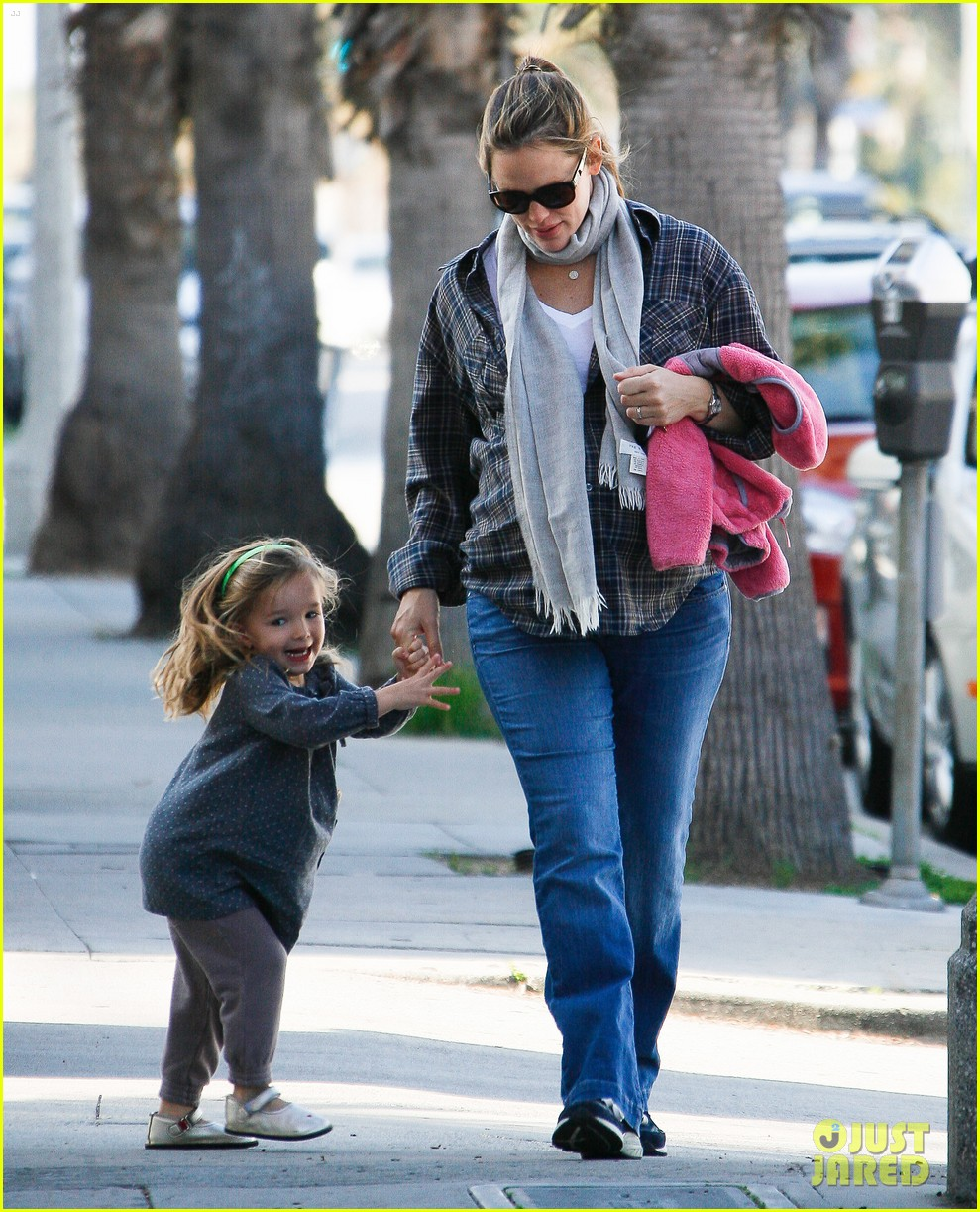 jennifer garner errands 162624543