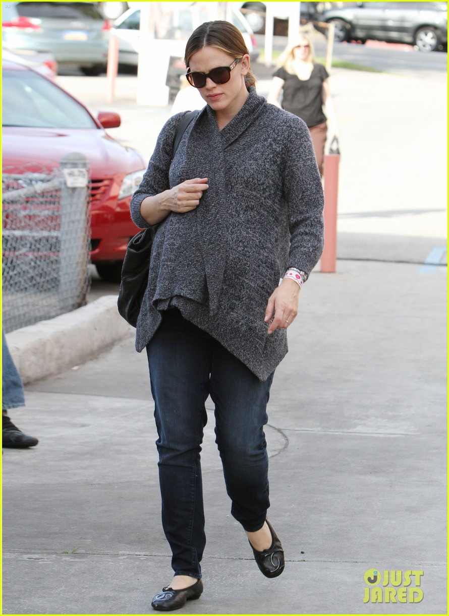 jennifer garner errands 21