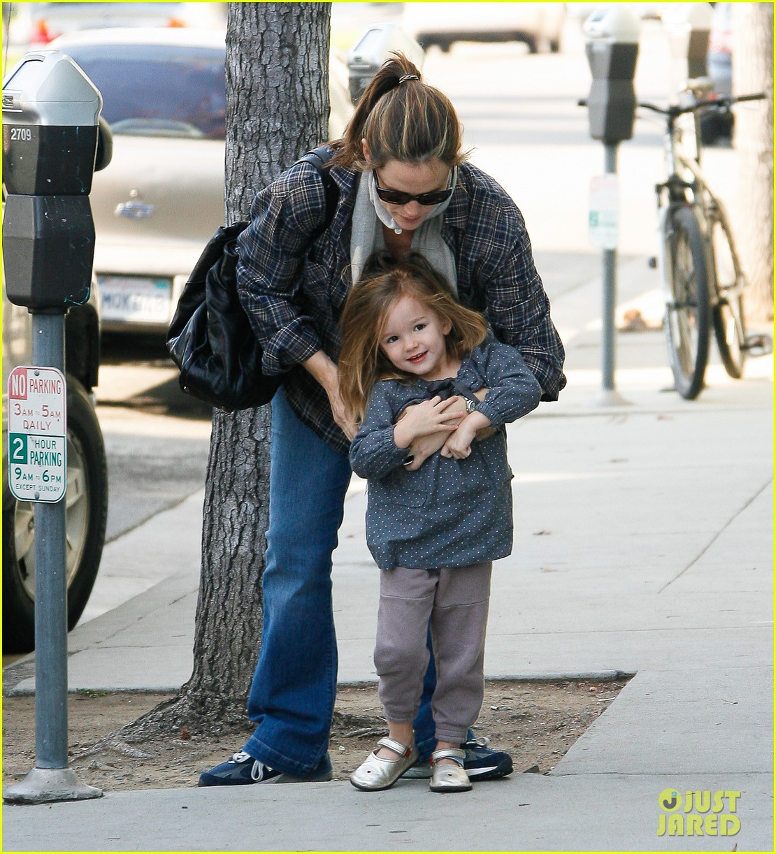 jennifer garner errands 24