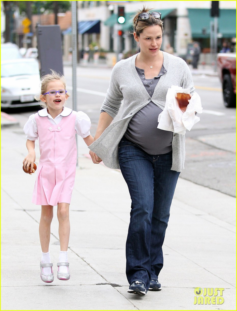jennifer garner busy mom 08