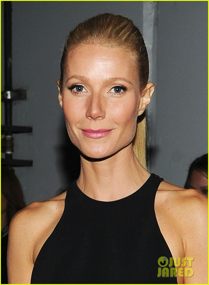 gwyneth paltrow grammy awards 2012 04