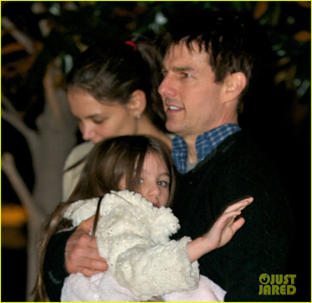 katie holmes tom cruise dinner with suri conner 02