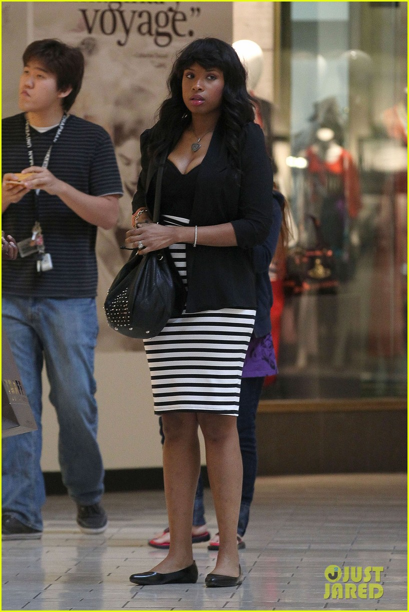 jennifer hudson shopping beverly center 102630045