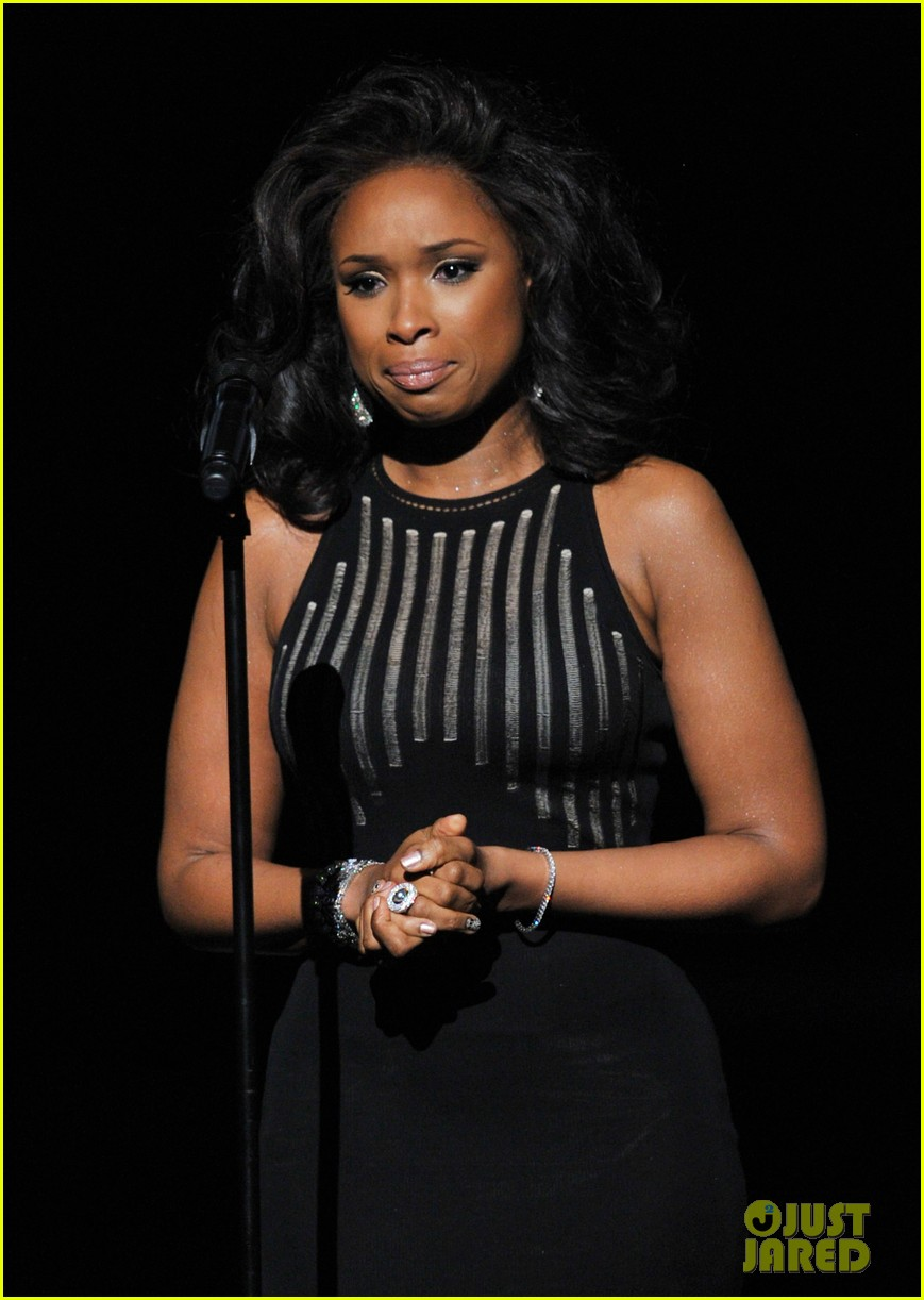 jennifer hudson whitney houston tribute grammys 032628449