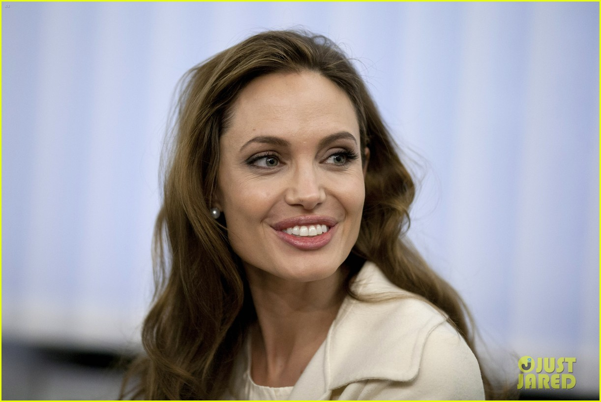 angelina jolie foreign ministry 02