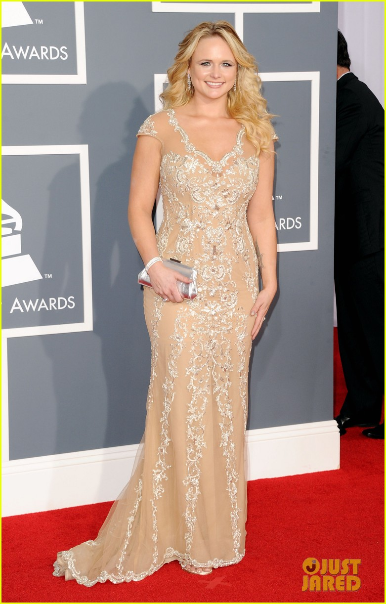 miranda lambert blake shelton grammy awards 01