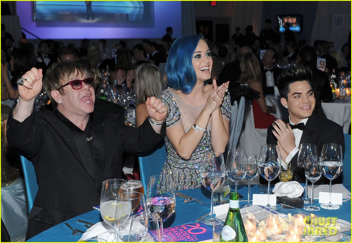 adam lambert oscars 2012 viewing party 03