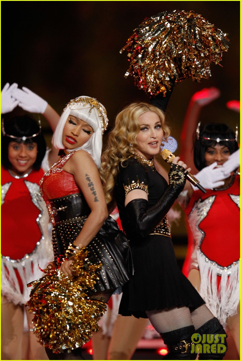nicki minaj mia super bowl performance 02