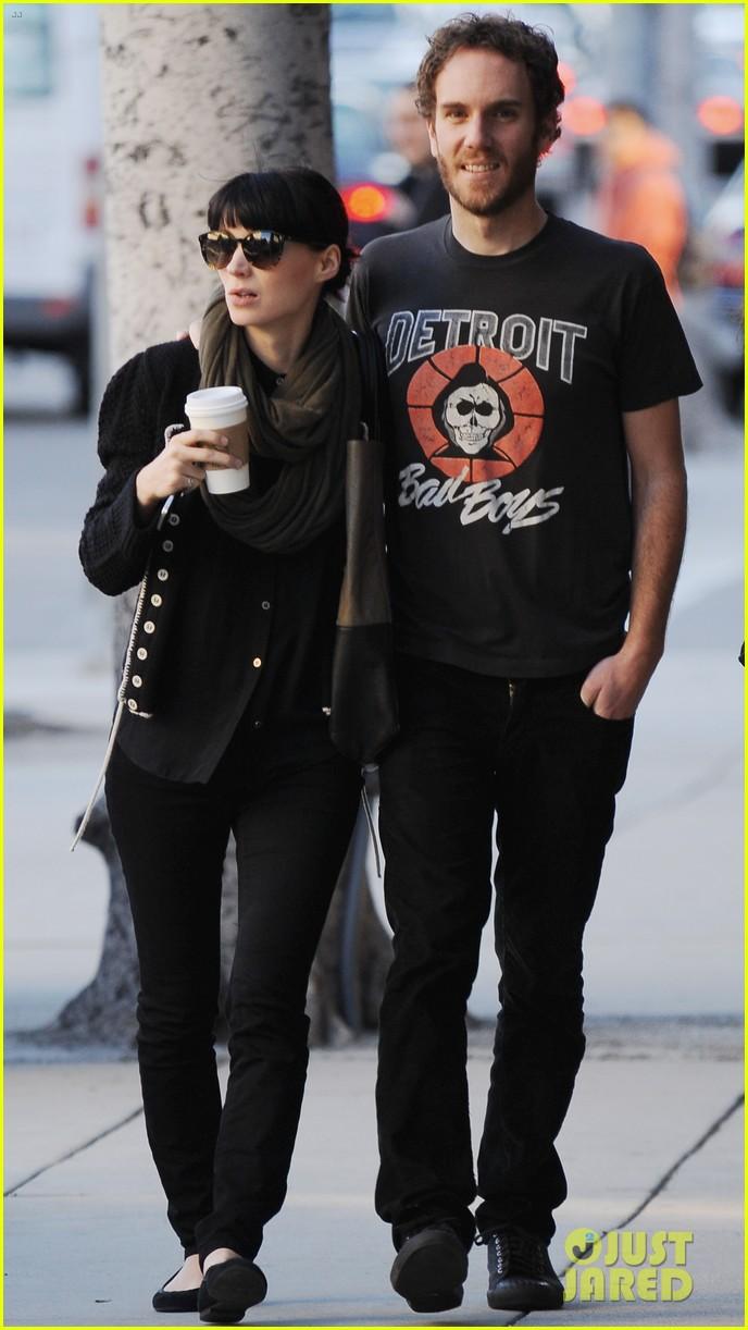 Rooney Mara  amp  Charles McDowell  Starbucks StopRooney Mara Boyfriend