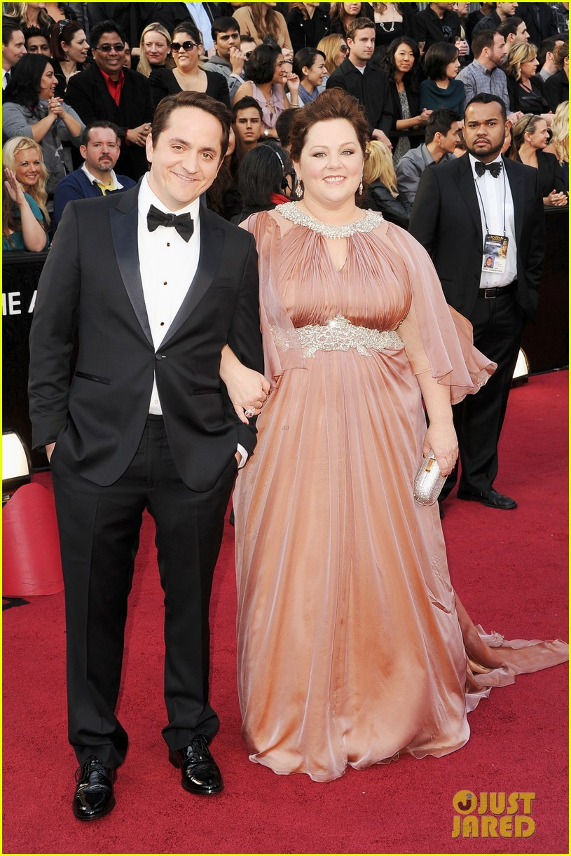 melissa mccarthy oscars 2012 red carpet 012633420