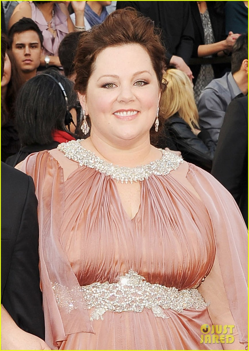 melissa mccarthy oscars 2012 red carpet 04