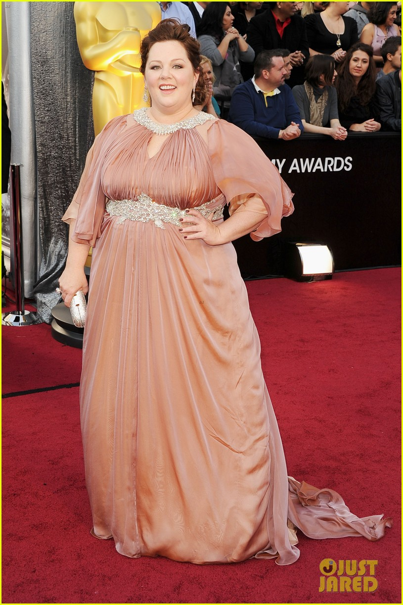 melissa mccarthy oscars 2012 red carpet 05