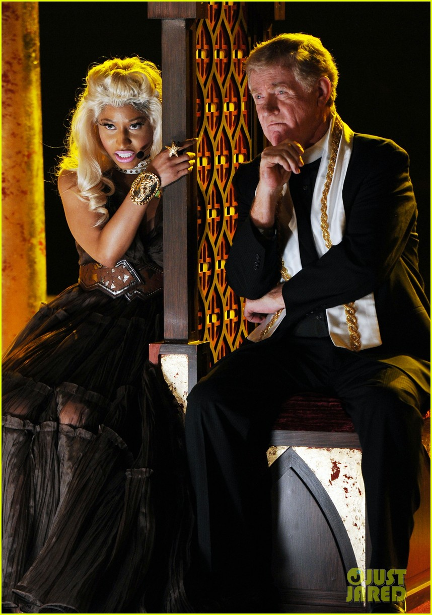 nicki minaj grammys performance 03