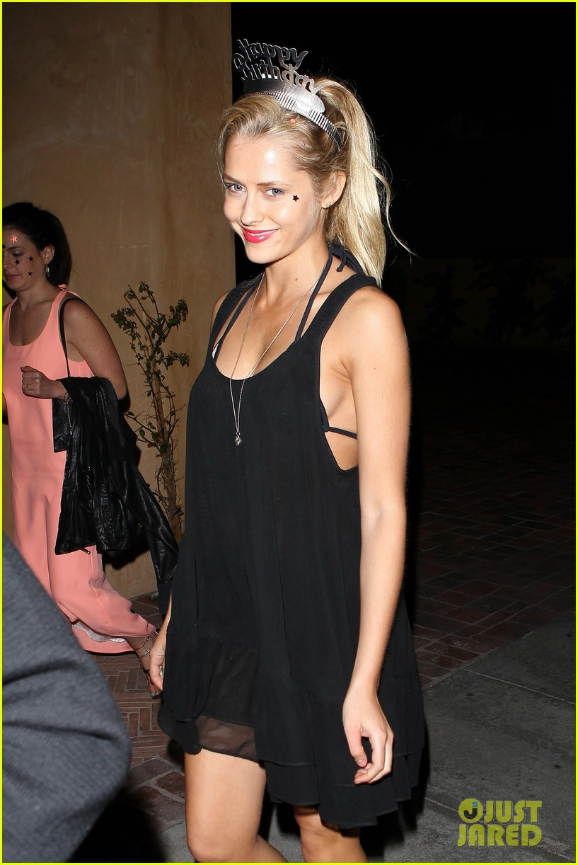 teresa palmer celebrates 26 birthday with rumer willis 022633079