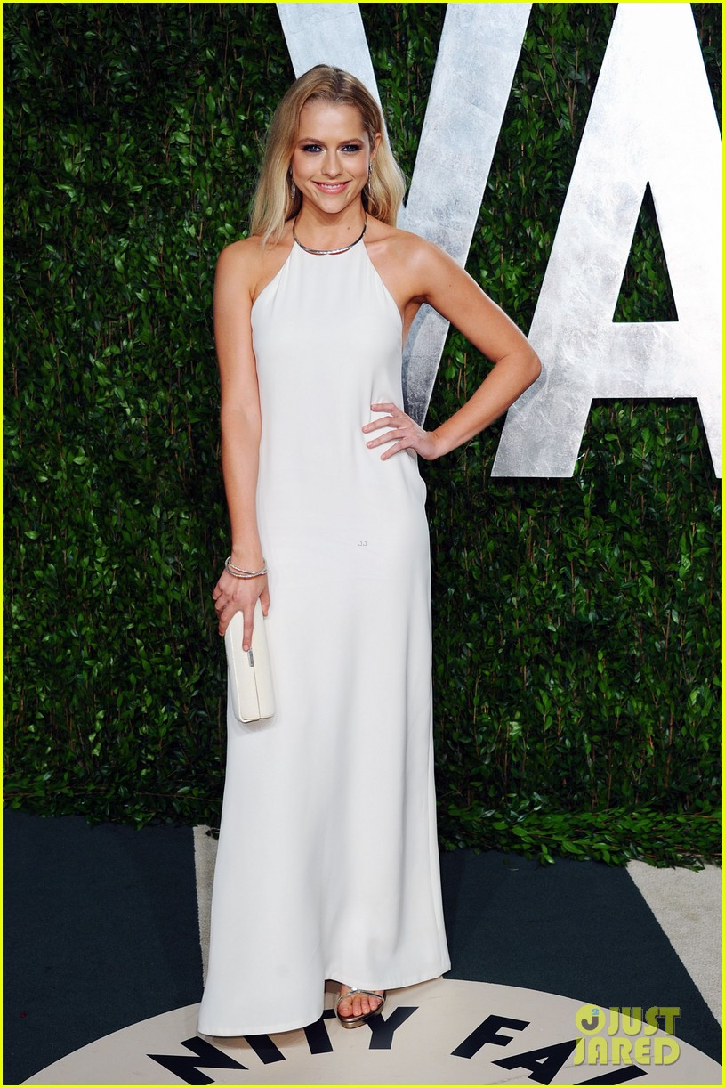 teresa palmer vanity fair oscar party 012634066