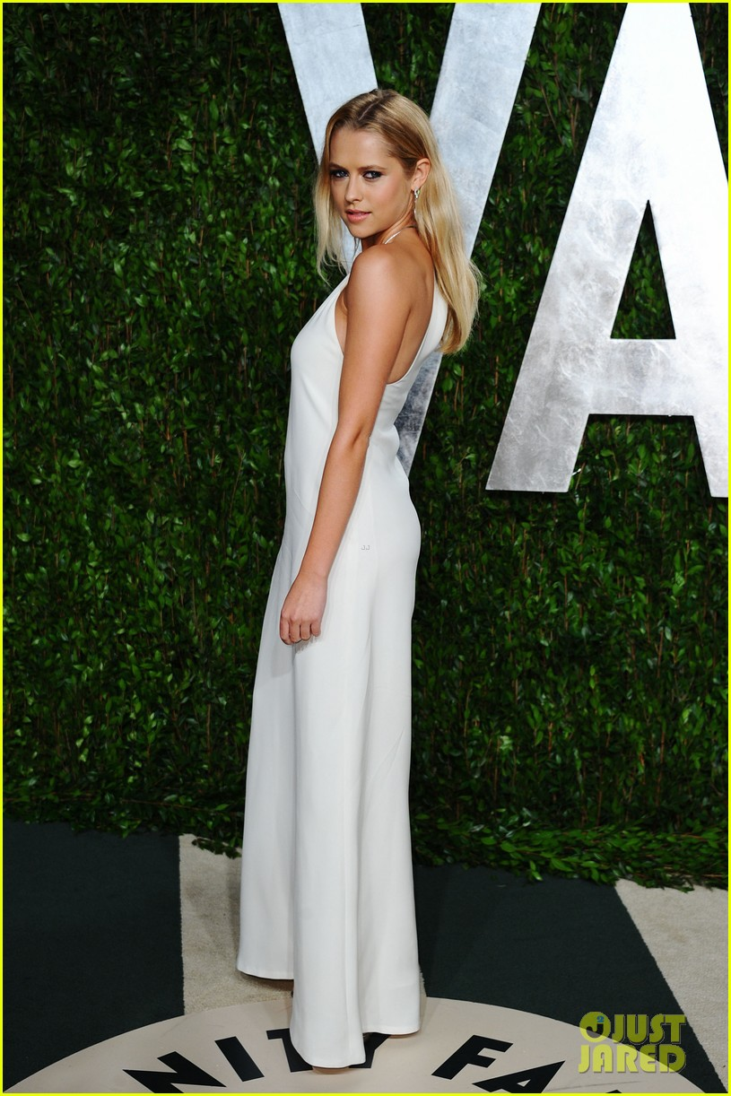 teresa palmer vanity fair oscar party 06