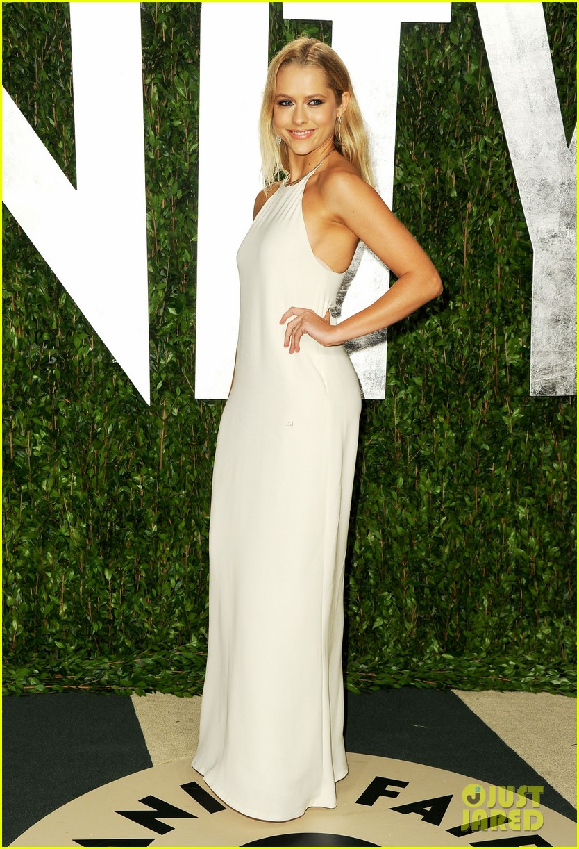 teresa palmer vanity fair oscar party 10