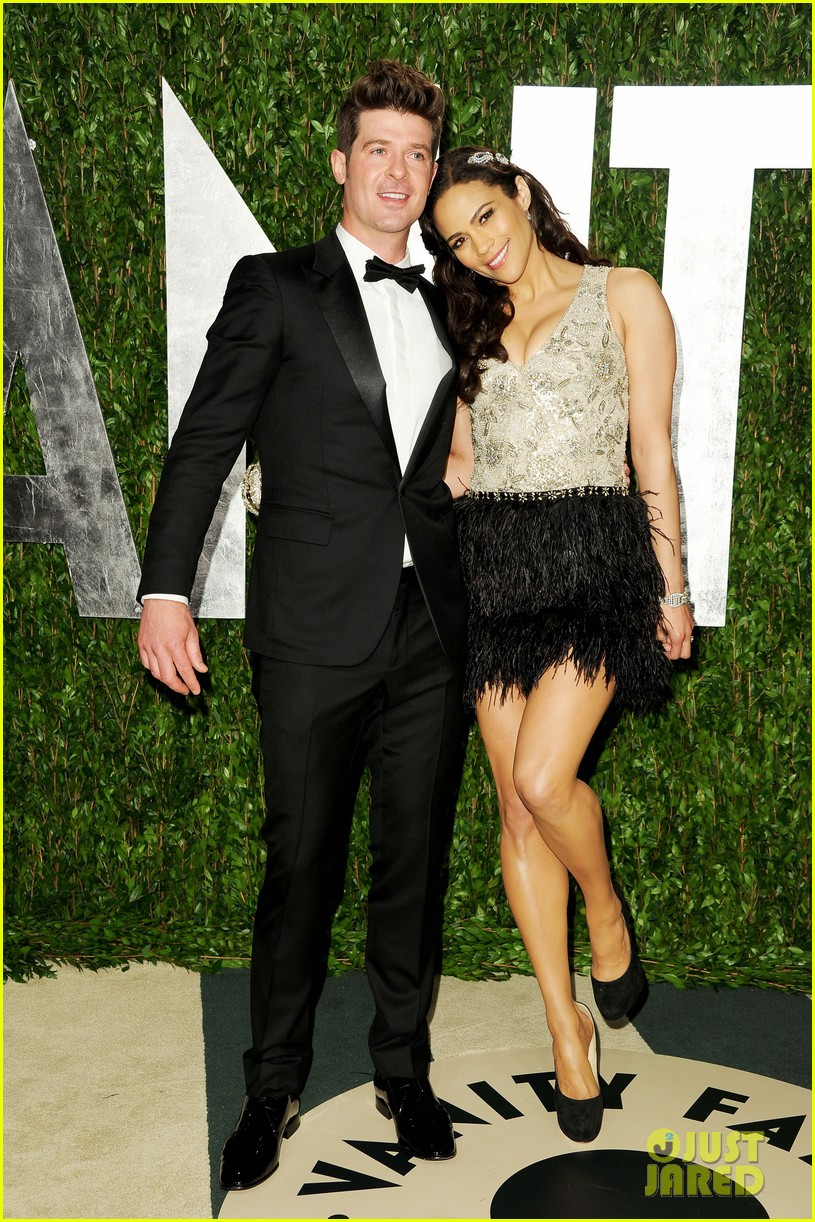 paula patton robin thicke vanity fair party 03