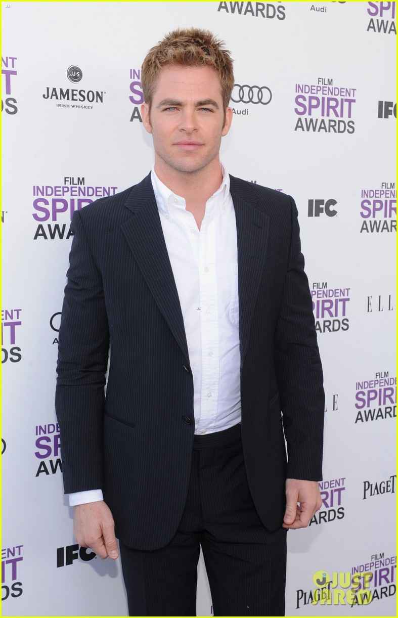 chris pine lucy liu spirit awards 2012 10