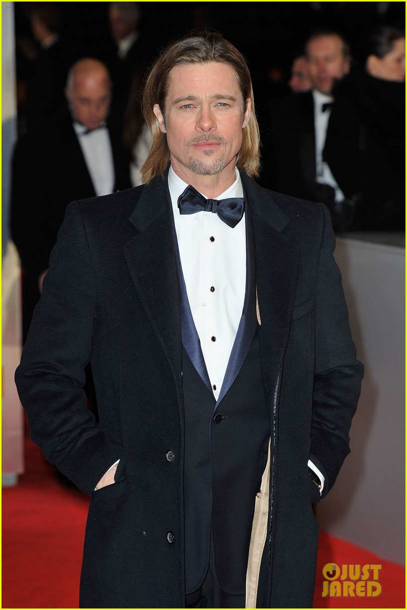brad pitt 2012 baftas red carpet 05