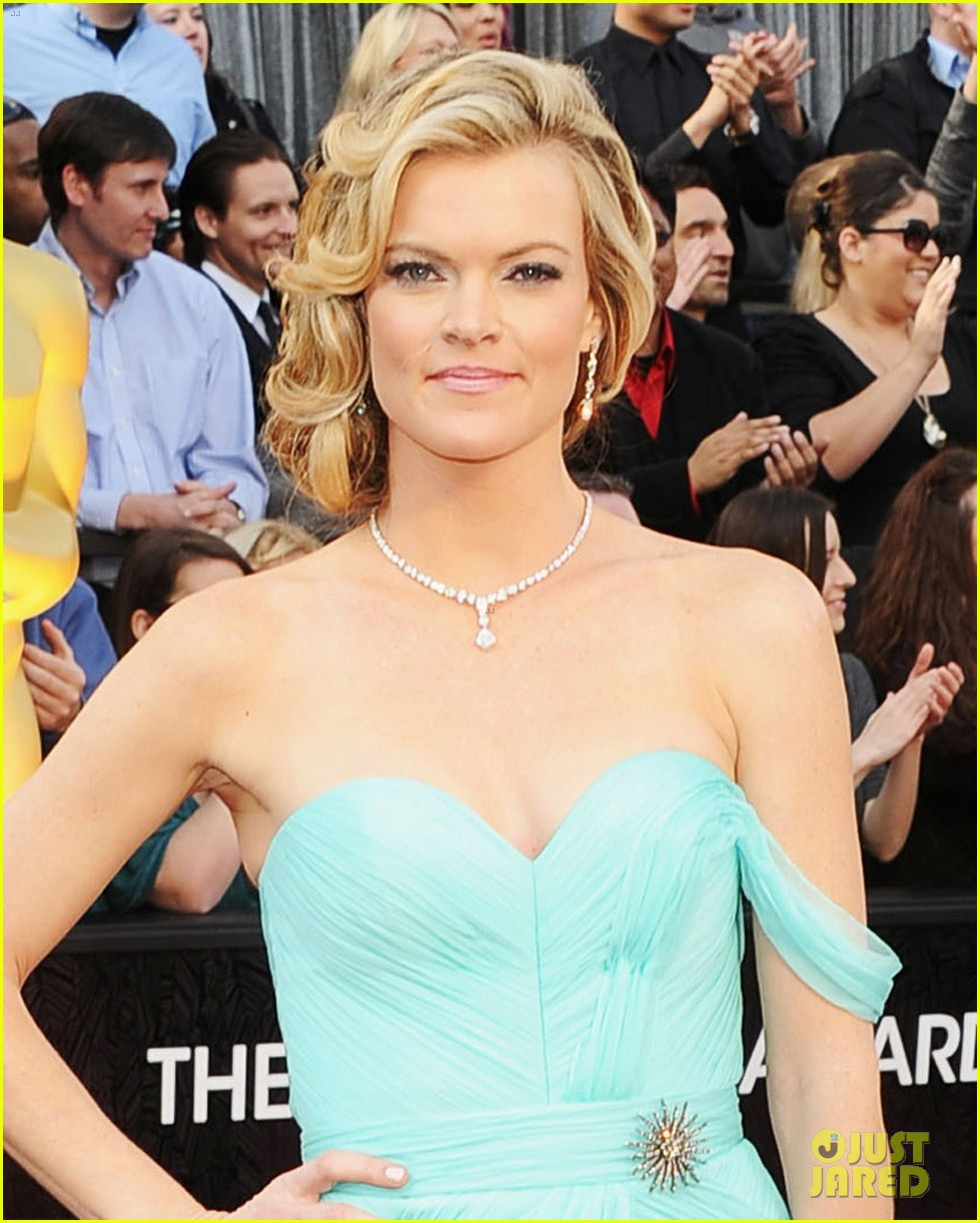 missi pyle penelope ann miller oscars 2012 red carpet 02