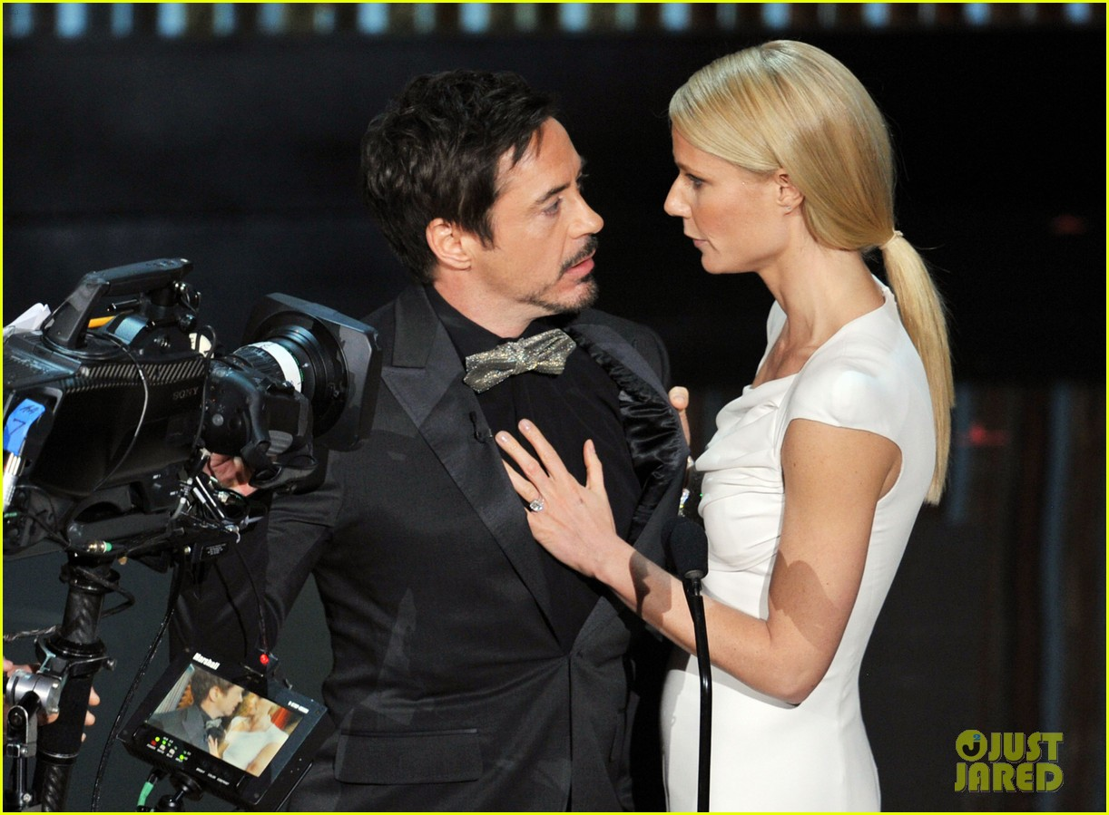 robert downey jr gwyneth paltrow oscars 2012 06