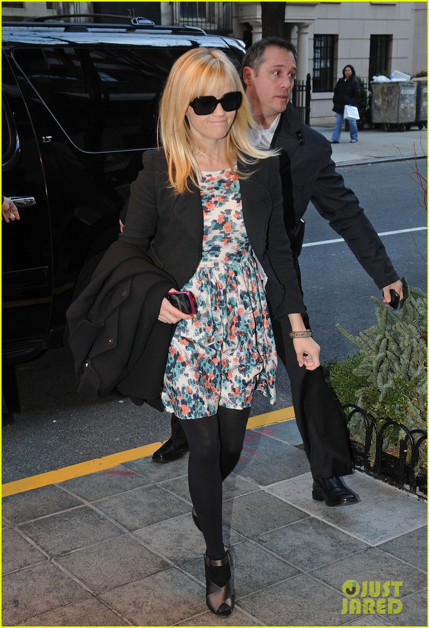 reese witherspoon hotel new york city 01