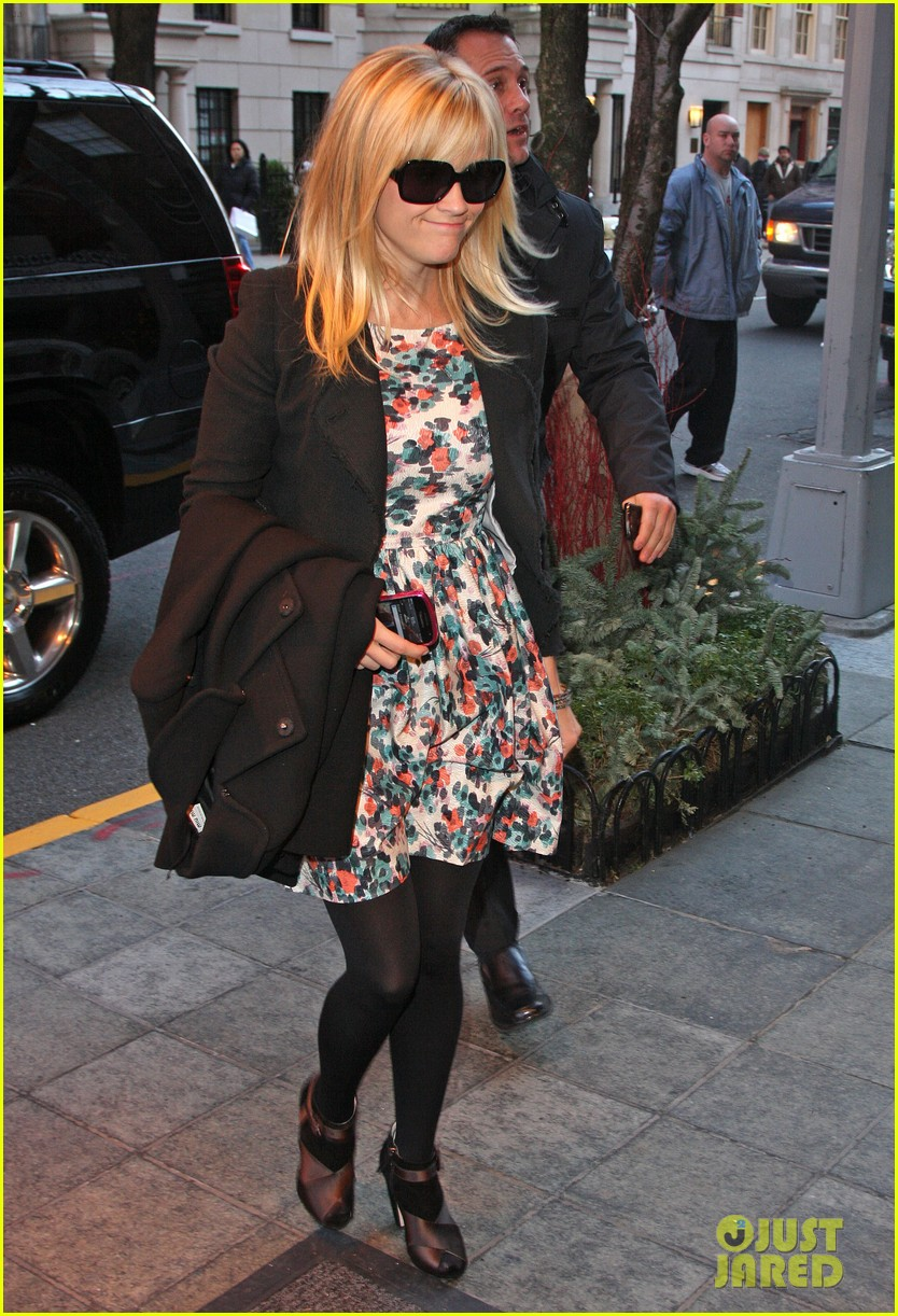 reese witherspoon hotel new york city 04