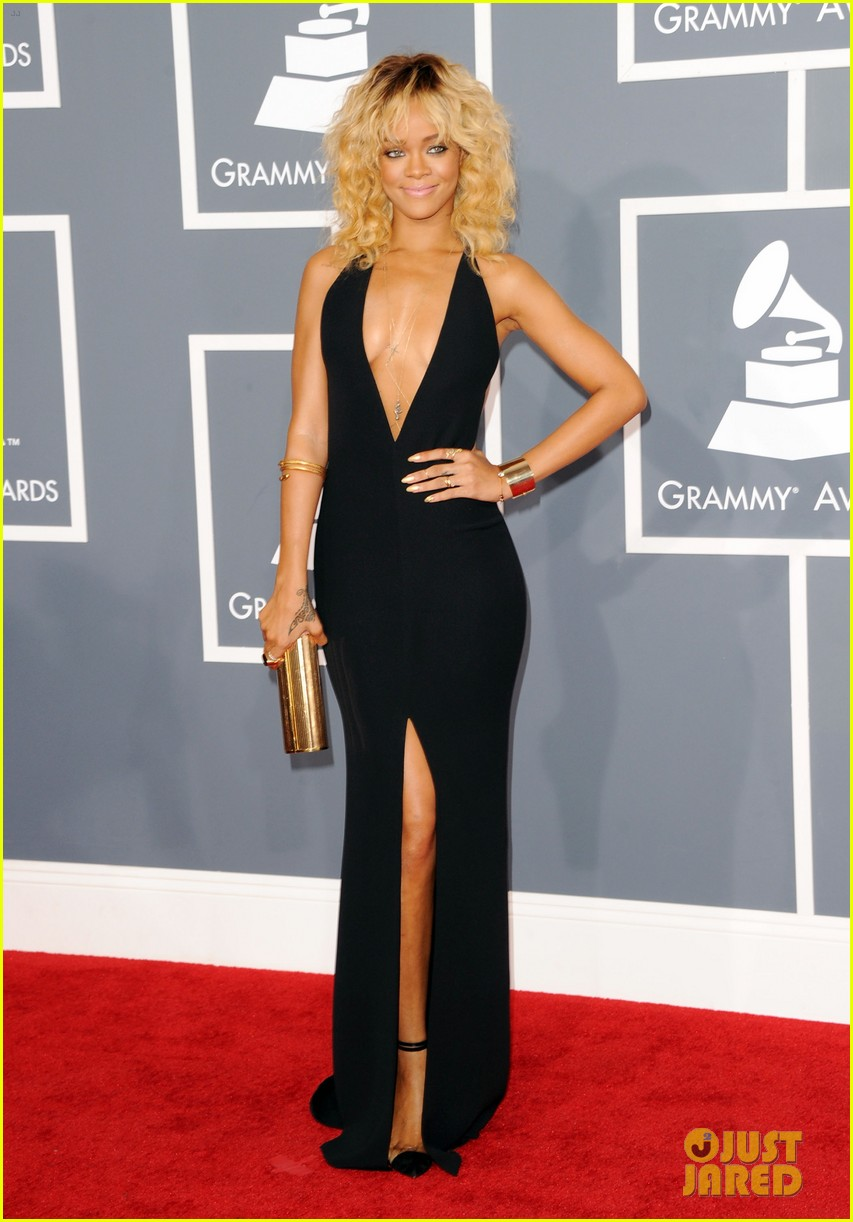 rihanna grammys 2012 red carpet photo 2628246 2012