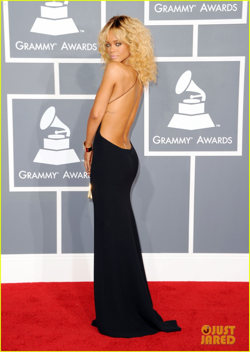 rihanna grammy awards 2012 07