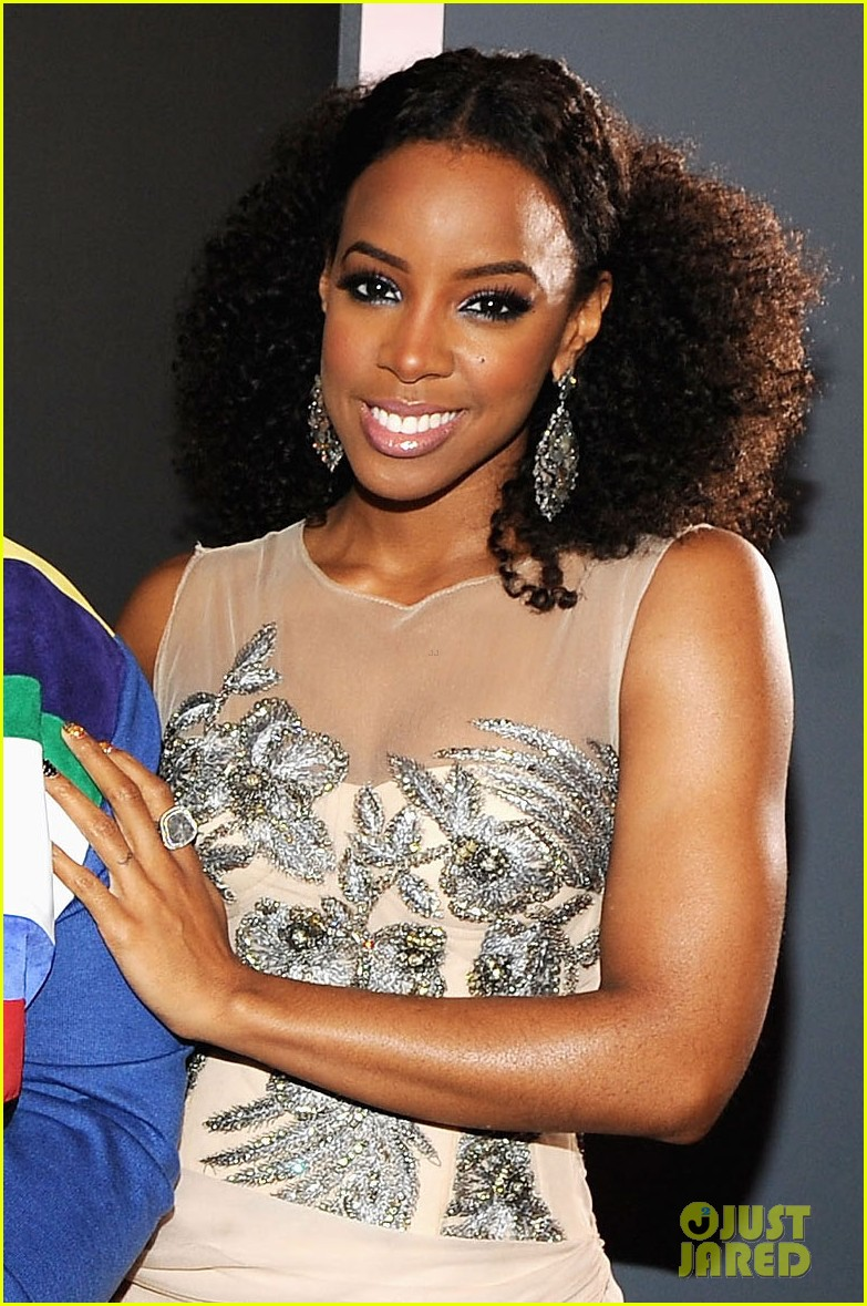 kelly rowland grammy awards 2012 01