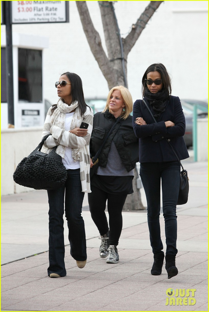zoe saldana movies bradly coopers mom 25
