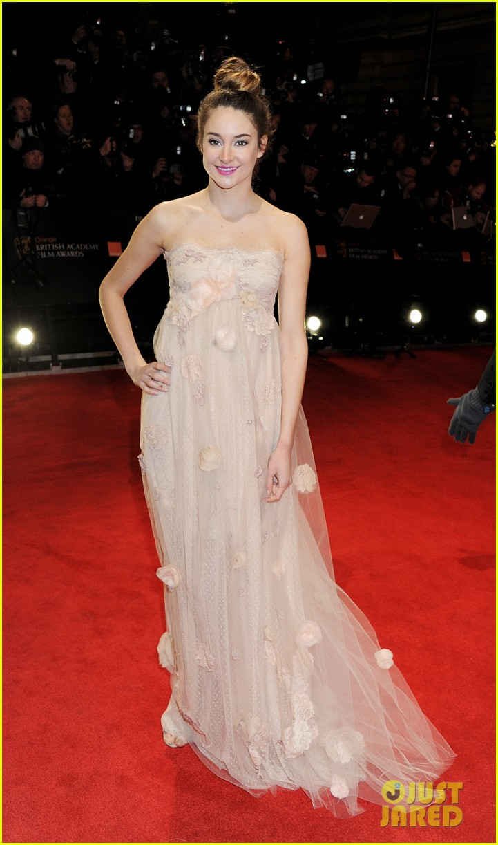 shailene woodley bafta awards 2012 05