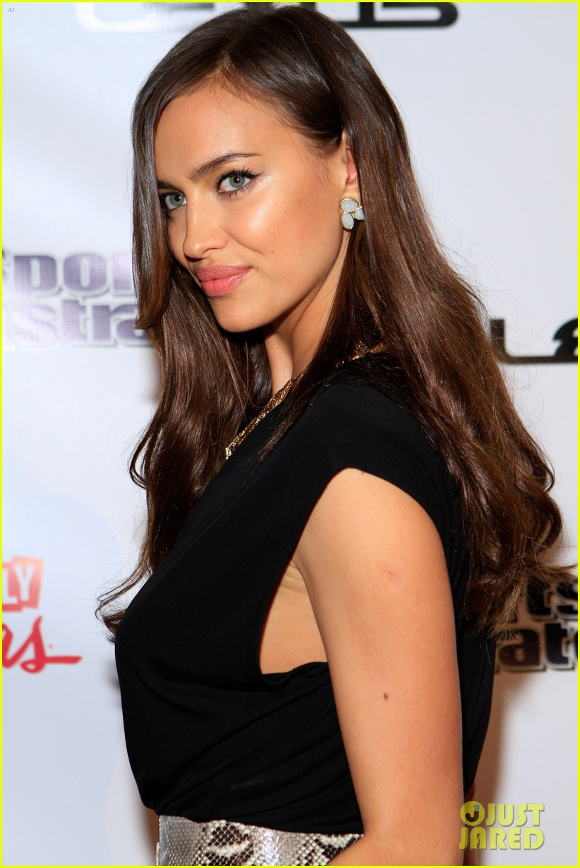 kate upton irina shayk si swimsuit on location party 20