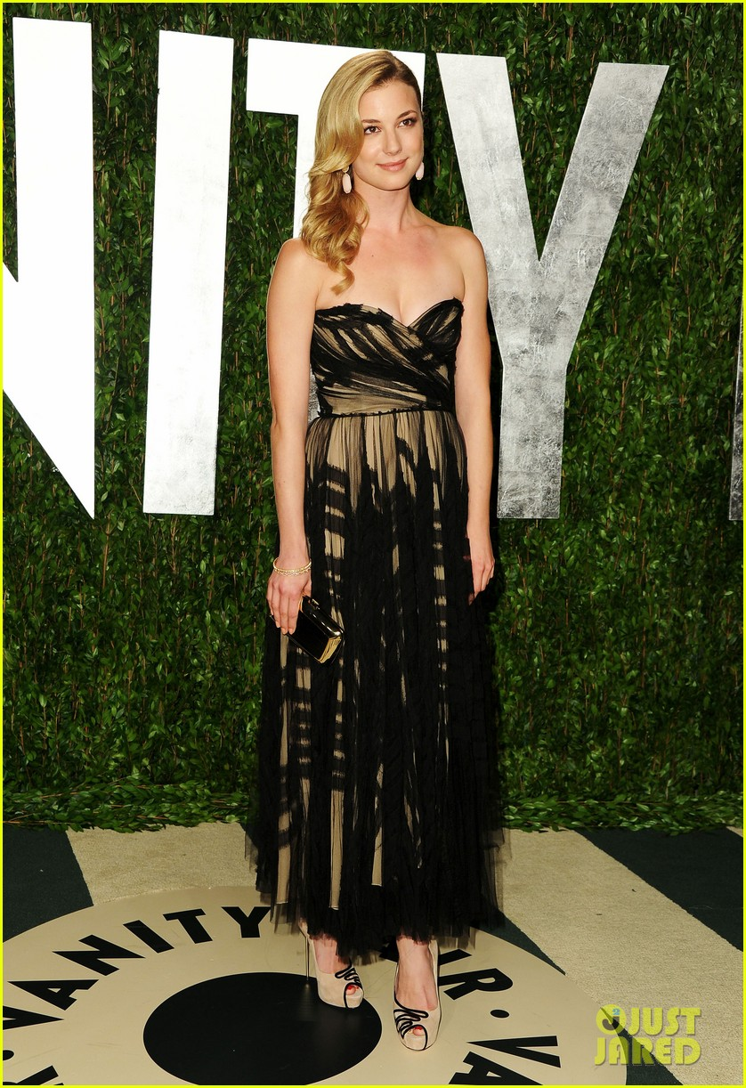 emily vancamp vanity fair party ashley madekwe 01