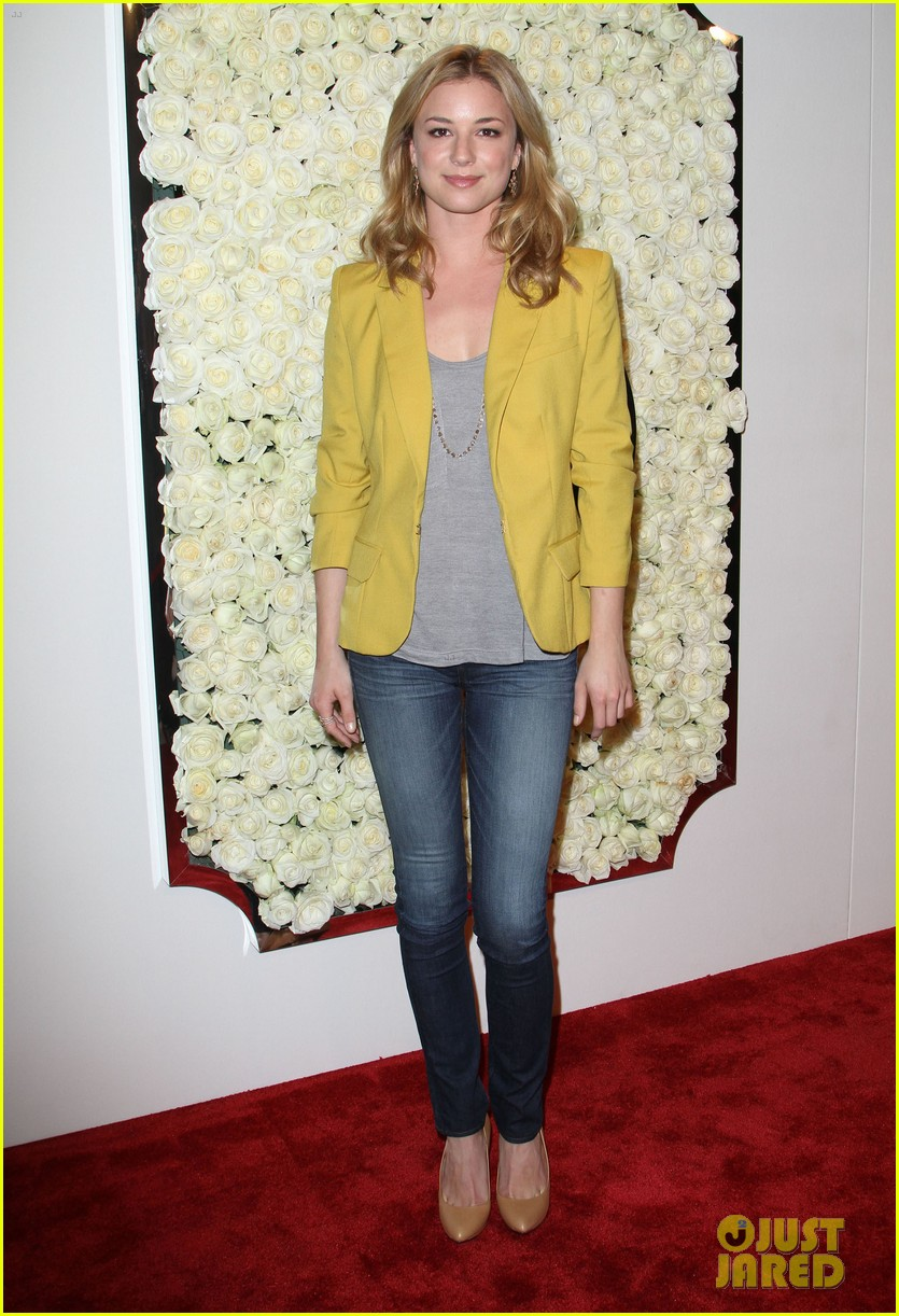 emily vancamp vanity fair party ashley madekwe 10