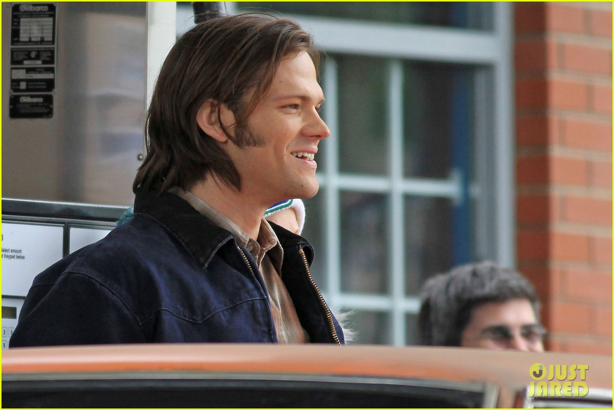 jensen ackles jared padalecki gas station scene supernatural 11
