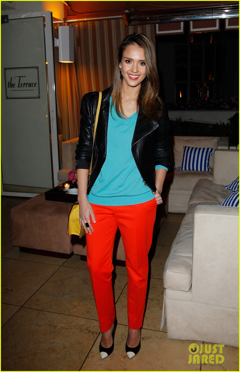 jessica alba celebrates brad goreskis book launch 012639208