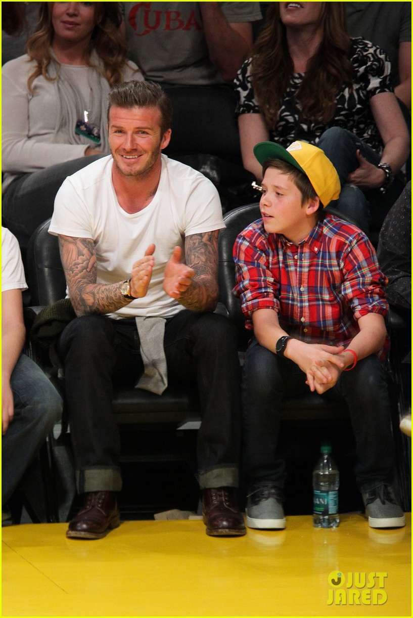 david beckham lakers game with brooklyn 02
