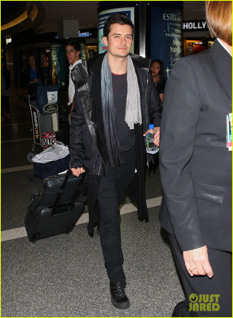 orlando bloom frequent flyer 01