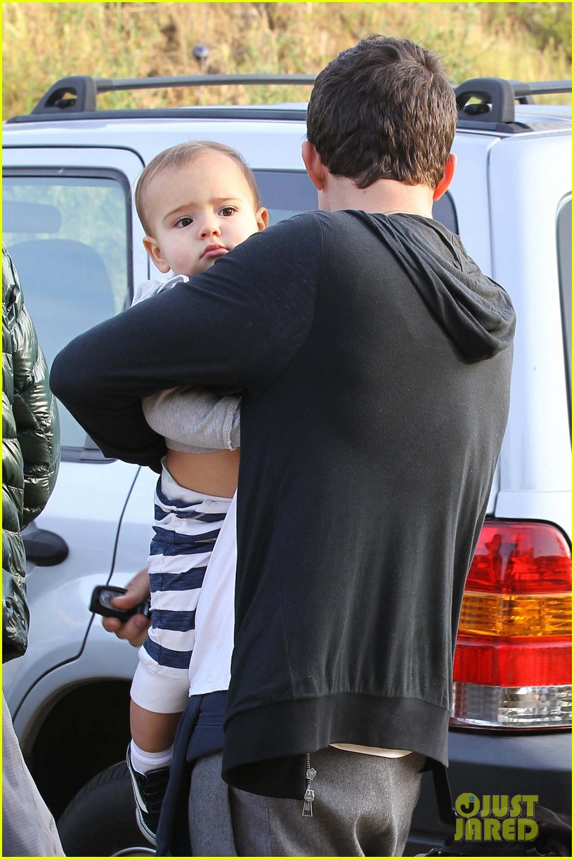 orlando bloom hike with flynn 11